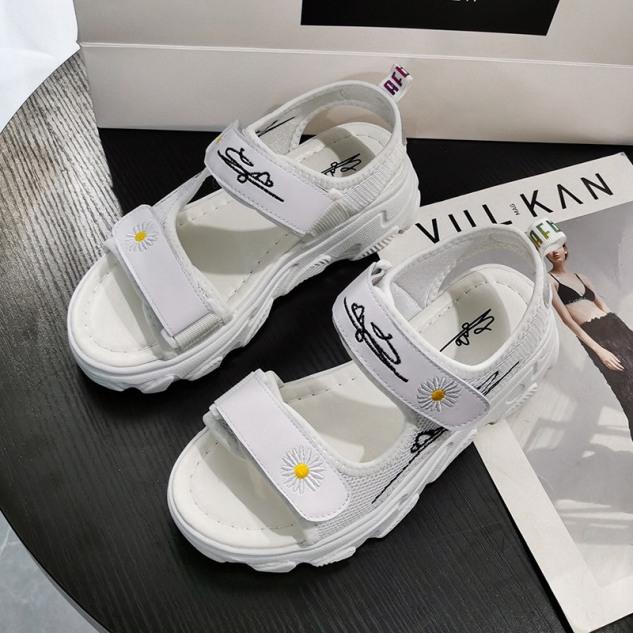 (2 màu) Sandal Nữ 2 Quai Ngang Bông Cúc kiểu dáng hàn quốc giá rẻ