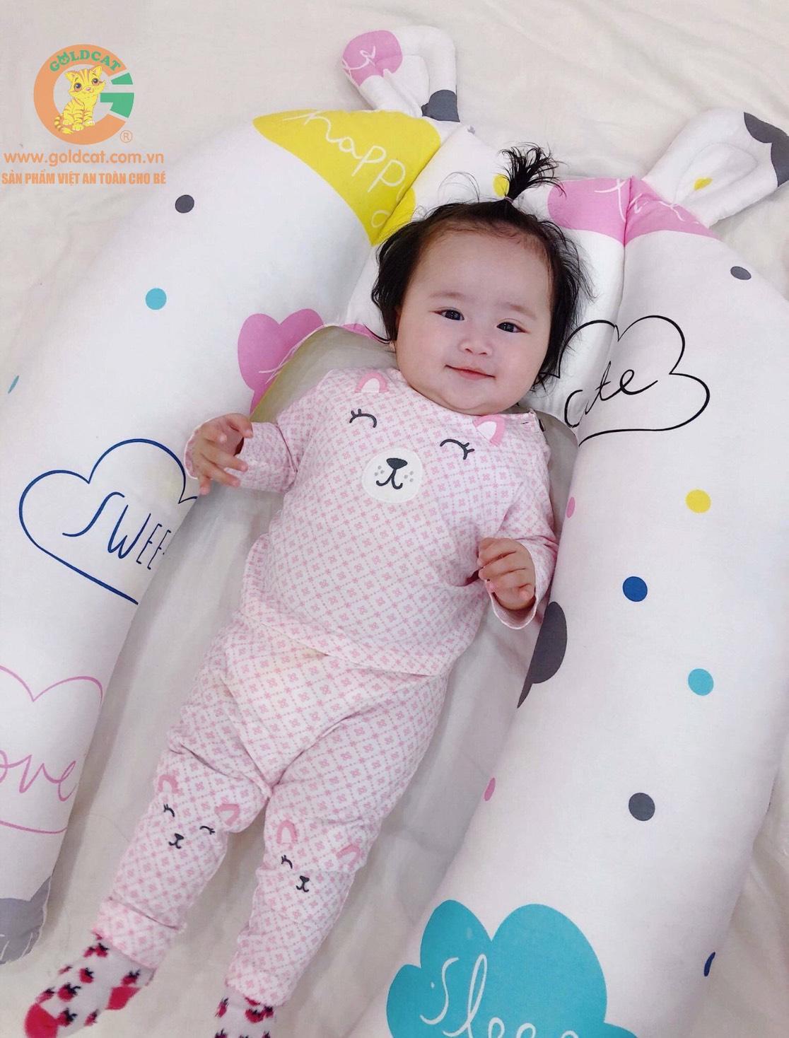 Gối chặn ôm tai gấu cho bé GoldCat cho bé ngủ ngon Nhật Bản