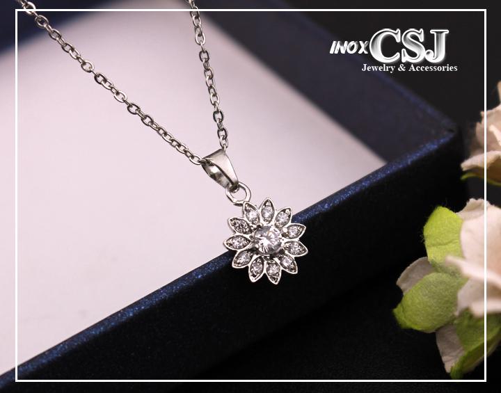 Dây chuyền nữ hoa 10 cánh đính kim cương