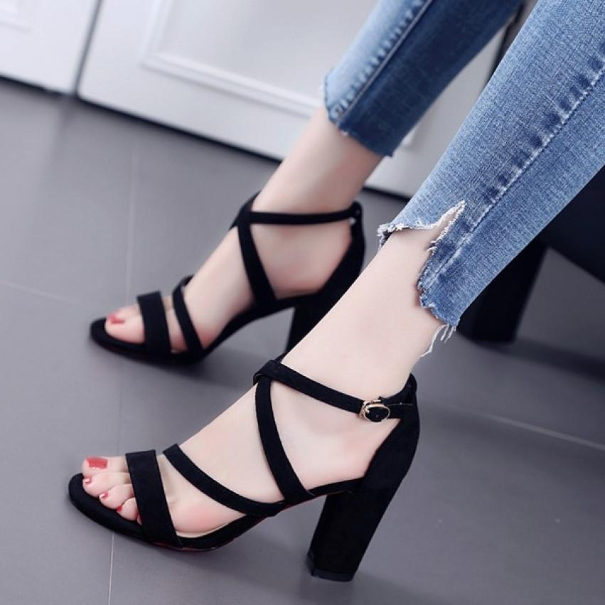 Giày Sandal Cao Gót Đế Vuông 7 Phân Chéo 3 Dây Siêu Xinh Như Thảo Store giá rẻ