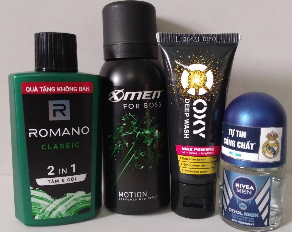 Trọn bộ dành cho nam giới 4 món gồm: 1 Chai dầu tắm gội hương nước hoa Romano 2in1 60g + 1 Chai xịt khử mùi XMen For Boss 40ml + 1 Chai lăn khử mùi Nivea for men 12ml + Tặng 1 Tuýp rửa mặt Oxy 25g