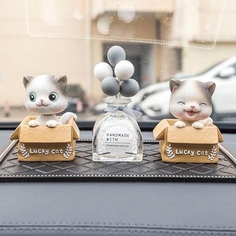 Set mèo Lucky trang trí taplo xe hơi cao cấp chính hãng