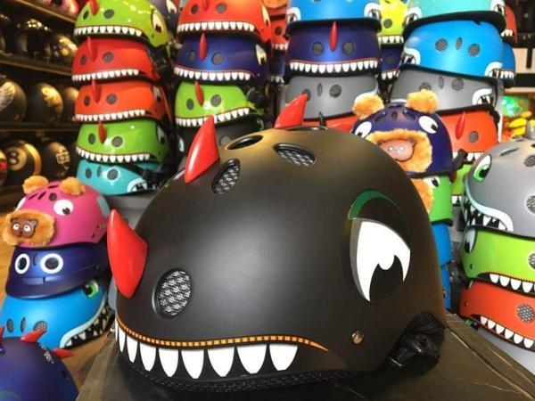 Giá bán nón bảo hiểm khủng long trẻ em cực hot