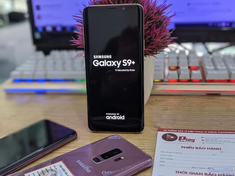 Điện Thoại Samsung Galaxy S9 plus Bản quốc tế 2 sim    Tặng kèm đủ Phụ kiện Tại Playmobile