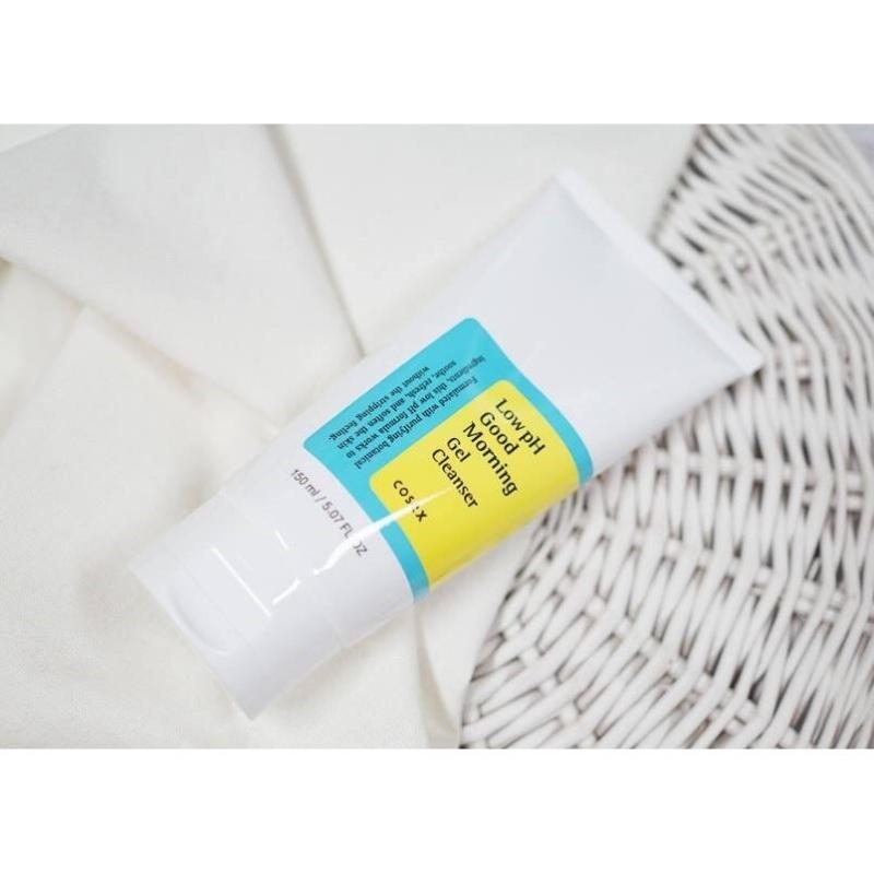 Sữa rửa mặt dịu nhẹ Cosrx Low Ph Good Morning Gel Cleanser 150ml giá rẻ