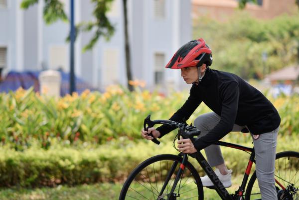 Phân phối Xe đạp thể thao Fornix F8 - Vòng bánh 700C (KÈM SÁCH HƯỚNG DẪN)- Bảo hành 12 tháng  +Tặng( Đèn led - Bình nước - Bộ lắp ráp)