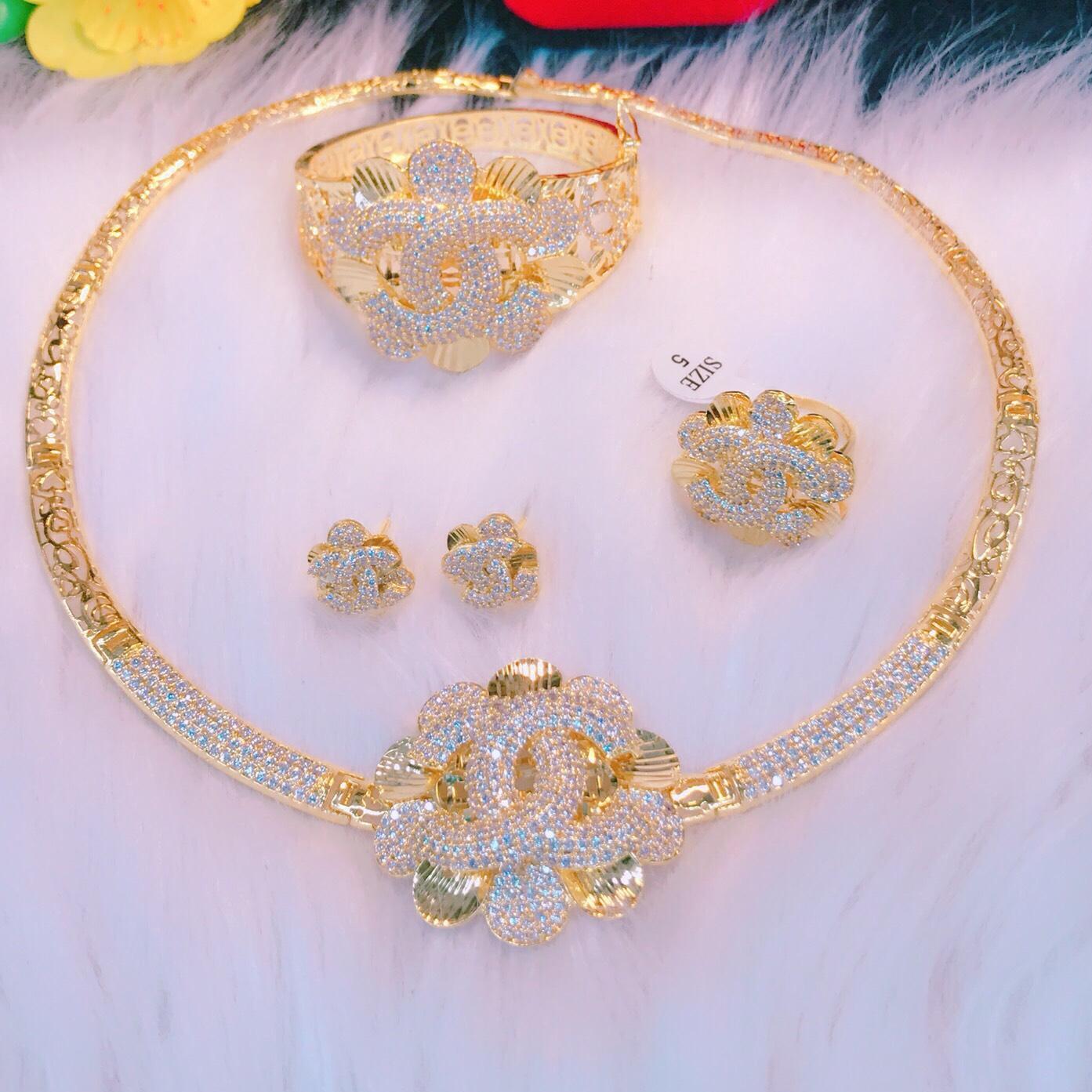 [RẺ VÔ ĐỊCH] Bộ trang sức nữ mạ vàng, bộ trang sức hoa mai phối chữ X dát đá pha lê cao cấp sáng lấp lánh lung linh thiết kế sang trọng quý phái Trang Sức Miga VB401091908 - đeo làm công sở cực sang chảnh và quý phái