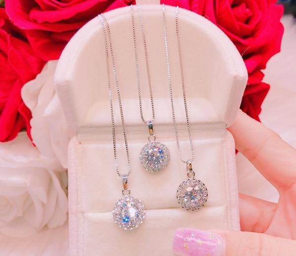 Dây chuyền mạ bạch kim nữ, dây chuyền nữ đẹp mặt đá pha lê hoa tuyết mặt trời sáng lấp lánh lung linh rực rỡ thiết kế sang trọng đẳng cấp quý phái xinh đẹp TRANG SỨC GADO DM019 - dùng đi tiệc cực kì sang chảnh