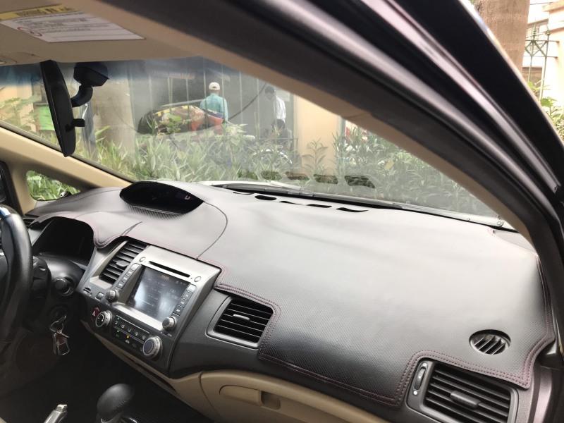 Thảm taplo da vân carbon cao cấp Honda Civic 2006 - 2011