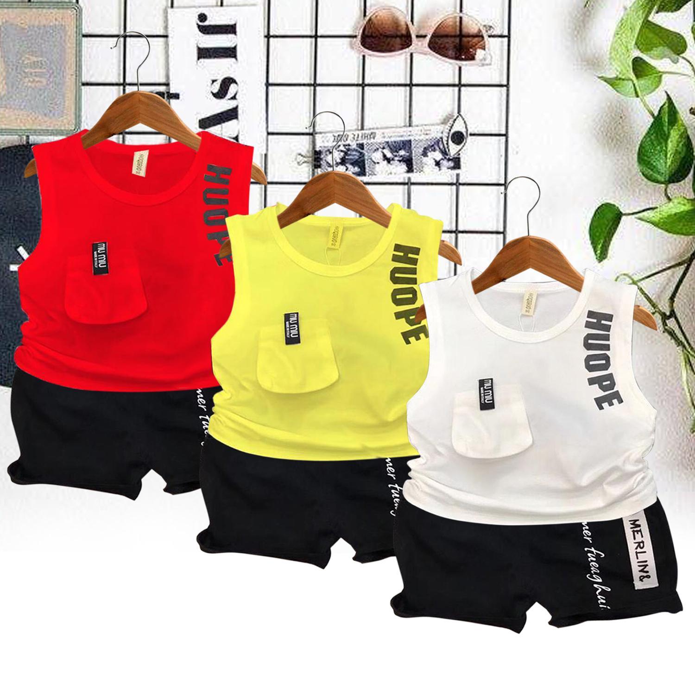 1 sét gồm 3 bộ quần áo gắn nắp túi áo màu đỏ,màu trắng,màu vàng quần màu đen y mẫu đáng yêu cho bé từ 8kg đến 25kg Nhật Bản
