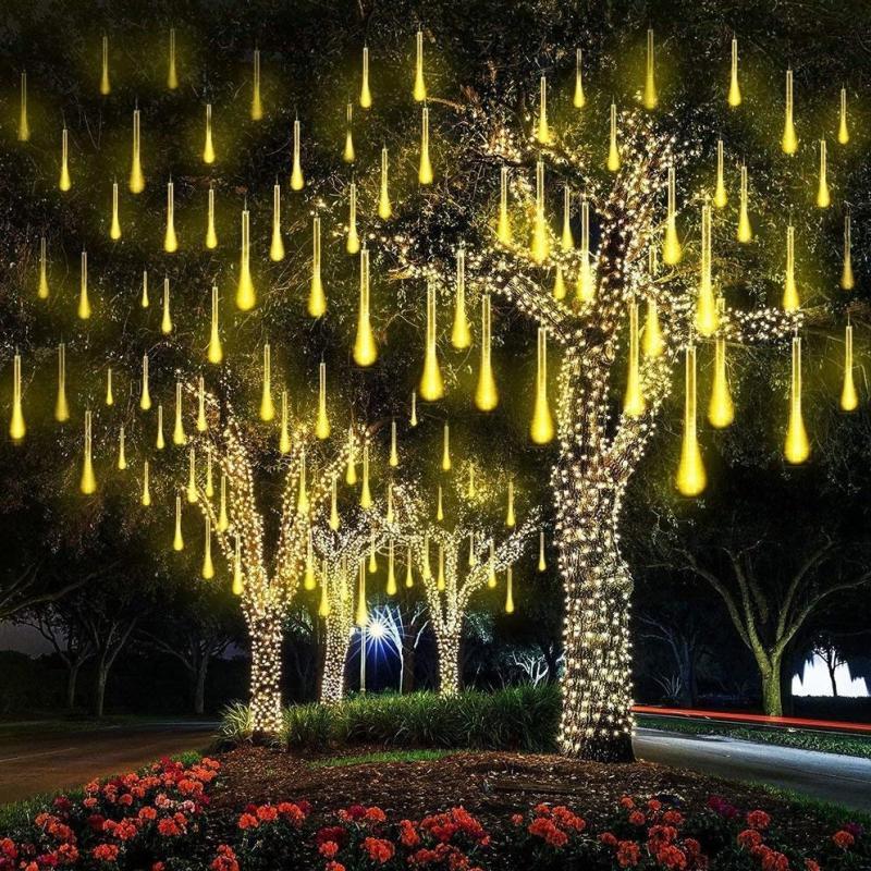 Đèn LED Sao BăngTrang Trí Vàng Ấm 8 Ống Led 50cm. Đèn led sao băng, đèn led giọt nước giá rẻ.