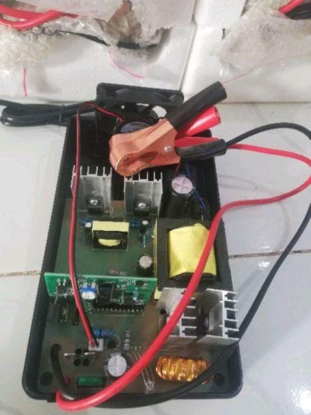 Sạc pin lithium 12.6v /14.6v Dòng 20A