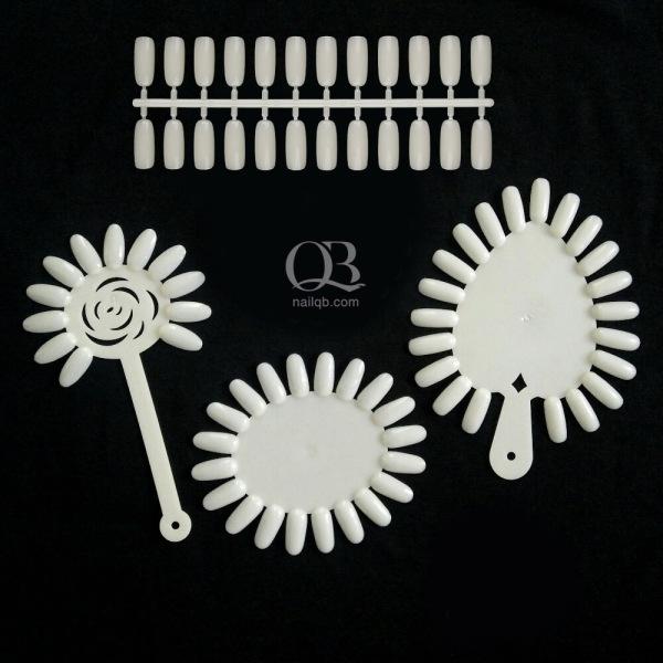 Set 4 hoặc 5 vĩ móng giả tập vẽ mẫu nail, móng trưng bày, gài sổ màu