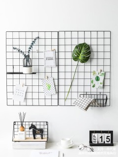Khung Lưới Sắt Trang Trí kích thước 35x35 cm, Tấm Lưới Treo Ảnh Nghệ Thuật, Tấm Lưới Sắt Deco Trang Trí Nhà Cửa ( Tặng Kèm Dây Đèn Led Và Đinh 3 Chân ) thumbnail
