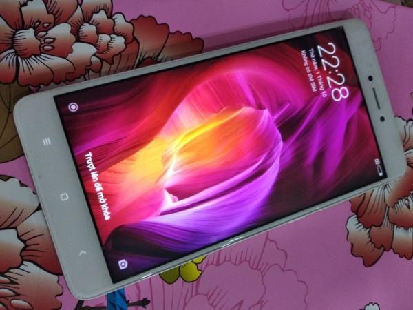 iện thoại Xiaomi Redmi Note4 2sim 64gb )Chiến PUBG/Free Fire mượt Không có đánh giá