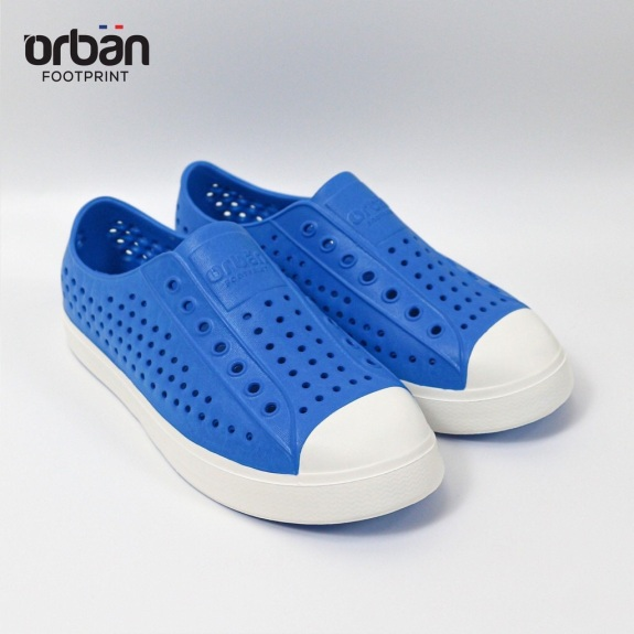 [Tặng Sticker][Trẻ em] Giày nhựa lỗ URBAN đi mưa - Xanh coban trắng giá rẻ
