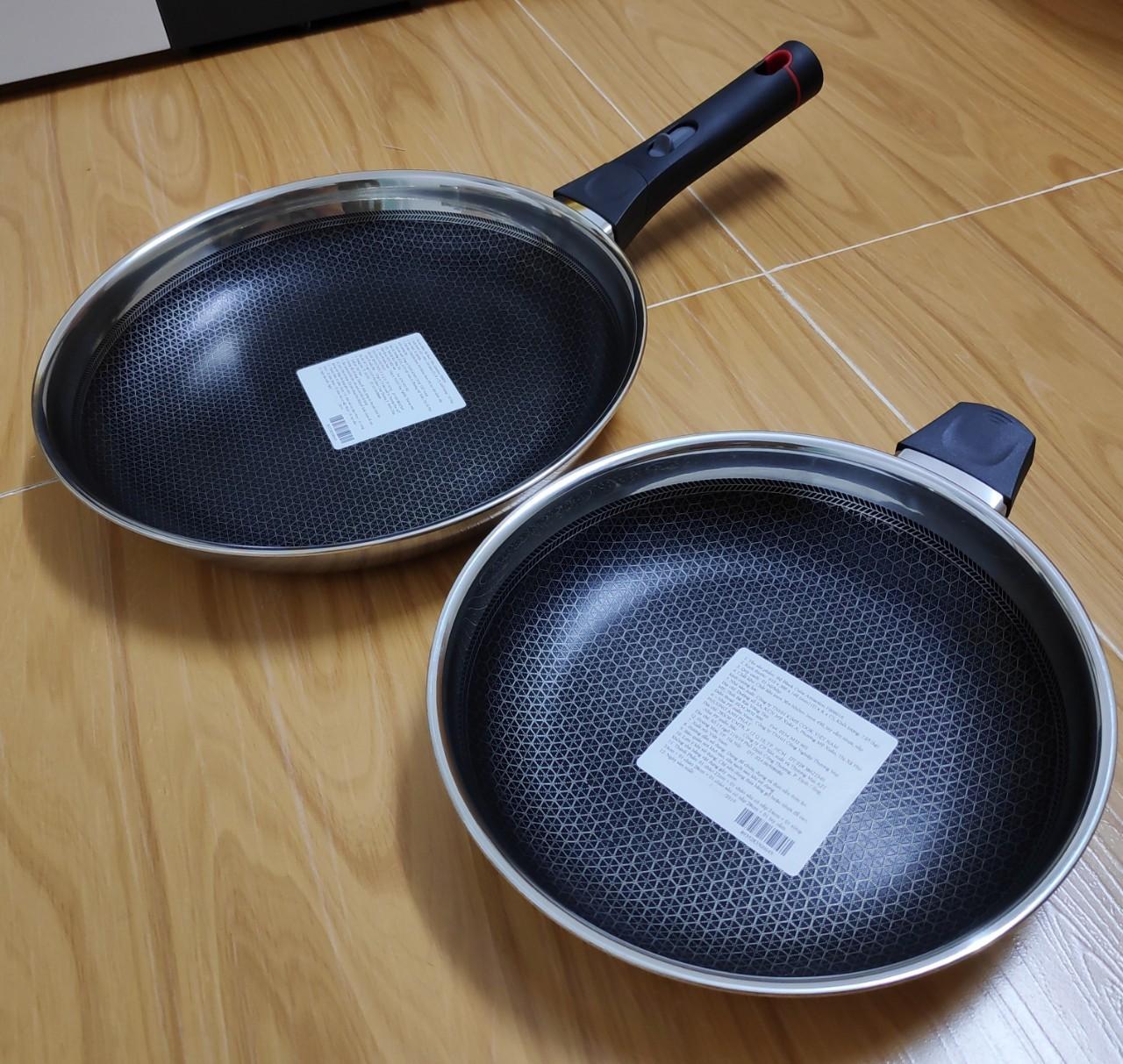 Bộ 2 chảo INOX chống dính BLACKCUCE 22cm & 28cm (T&K-KIMSCOOK)