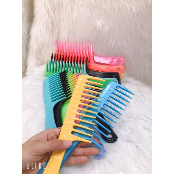 Combo 2 lược thưa chải tóc, cam kết hàng đúng mô tả, chất lượng đảm bảo an toàn đến sức khỏe người sử dụng nhập khẩu