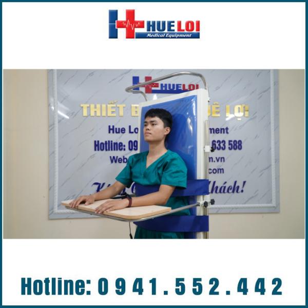 Giường giúp bệnh nhân tập đứng