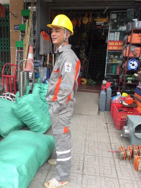 Quần áo bảo hộ lao động size 6 cho người từ 55-65kg. Quần áo điện lực chất đẹp không xù
