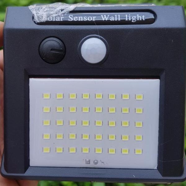 Bảng giá Đèn LED năng lượng mặt trời 40 và 48 chíp - Cảm ứng ánh sáng và chuyển động