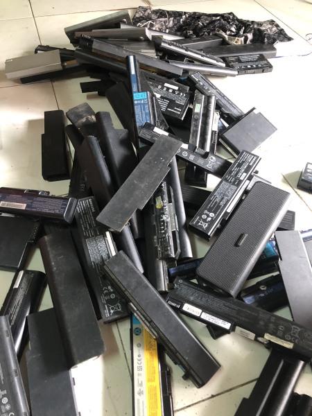 Bảng giá Pin laptop  thanh 6 cell, tháo lấy cell chế máy mài, làm sạc dự phòng Phong Vũ