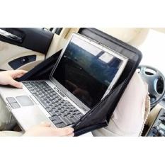 Hình ảnh bàn kê laptop xếp còn sau lưng ghế trên ô tô