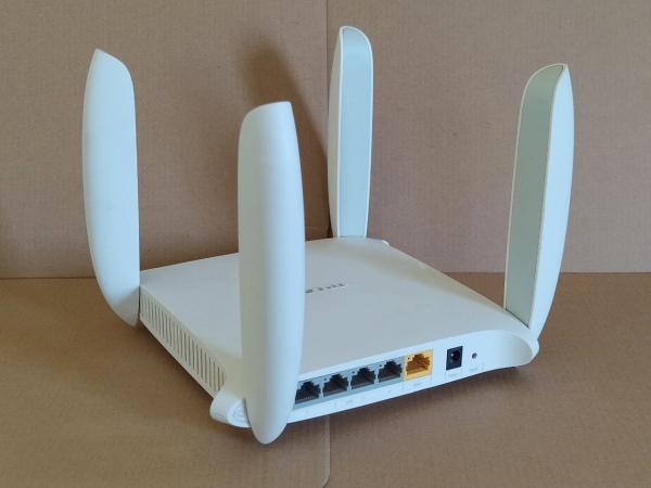 Bảng giá Tiết kiệm được 400k Bộ phát WiFi TP-LINK 4 Dâu like new WDR 6320 Băng tần kép tốc độ cao, hỗ trợ xuyên tường, cài đặt sẵn cắm vào là dùng được ngay, bảo hành 1 đổi 1 ( 12 tháng ) Phong Vũ