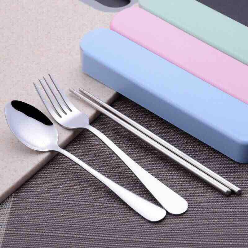 Bộ dụng cụ ăn cá nhân Thìa, dĩa, đũa có kèm hộp đựng