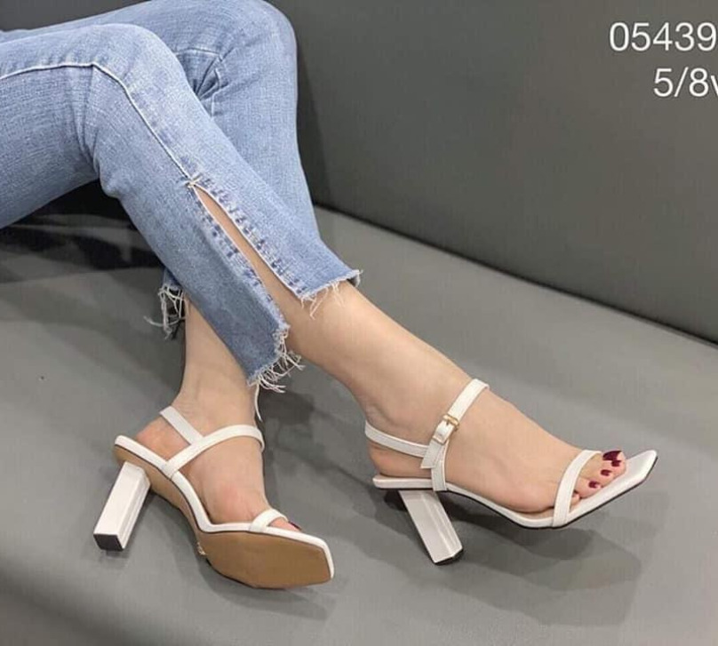 (Bảo hành 12 tháng) Giày cao gót nữ quai mảnh thời trang - Giày sandal cao gót nữ gót trụ vuông cao 7cm - Giày nữ da mềm 2 màu Trắng và Đen - Elsa ES231 giá rẻ
