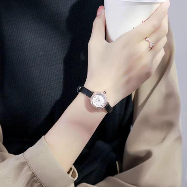Nơi bán Đồng hồ thời trang nữ dây da Panmila new 0561