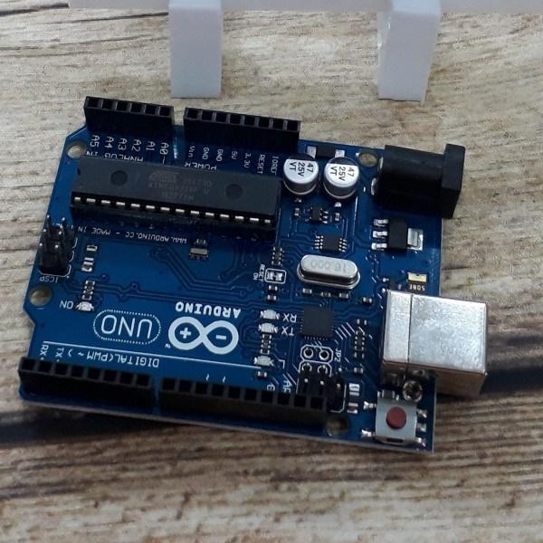 Bảng giá Arduino Uno R3 chip cắm (DIP) kèm cáp Phong Vũ