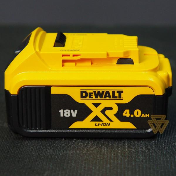 [Lấy mã giảm thêm 30%] Pin Lithium 18V 4.0Ah Dewalt DCB182-B1