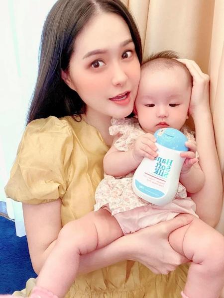 { 100%  chính hãng } Hanayuki Hana soft silk dung dịch vệ sinh giá rẻ