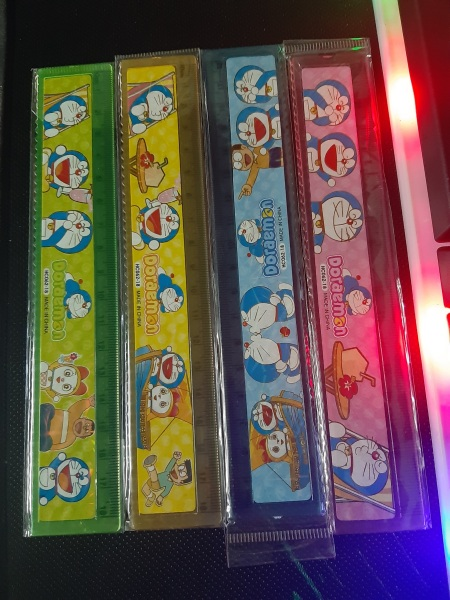 Mua Combo 10 cây thước kẻ hình Doraemon lấp lánh dài 18cm