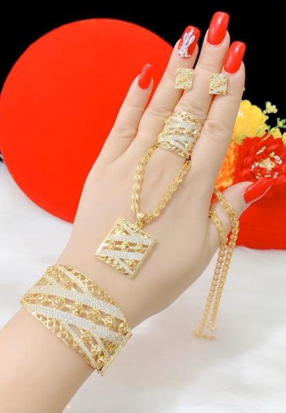 Bộ Trang Sức Giá Rẻ GiViShop B4170514 - Dùng làm quà tặng cực kì ý nghĩa - bộ trang sức vàng đẹp , bộ trang sức vàng tây đẹp, những bộ trang sức vàng đẹp, bộ trang sức vàng ý đẹp, bộ trang sức vàng cưới đẹp, nhung trang suc