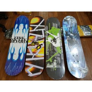 Ván trượt Skateboard dành cho trẻ em và người lớn trên 6 tuổi có thể chịu được trọng lượng lên đến 200kg thumbnail