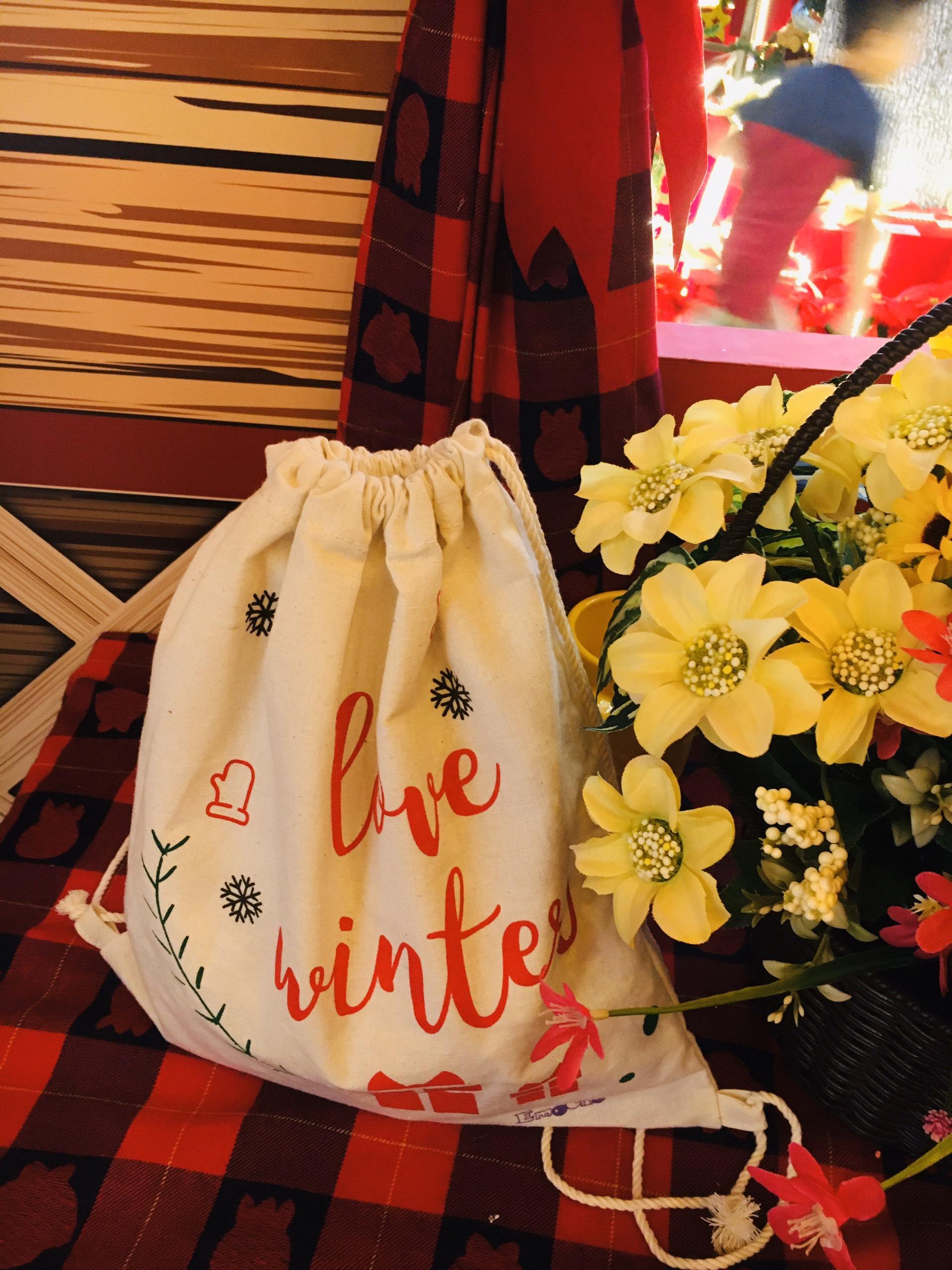 Giá bán Túi quà Noel giáng sinh, chất liệu vải canvas, dạng balo, túi rút tiện lợi khi sử dụng