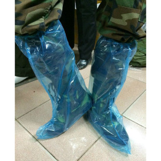 Bọc giày đi mưa loại cao cổ dùng một lần - GD0887 - NiceShop thumbnail