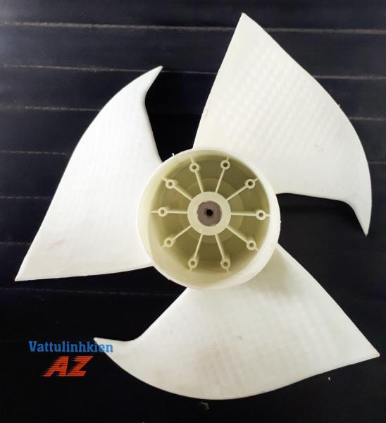 Cánh quạt nhựa 3 cánh chiều ngược ĐK 32cm