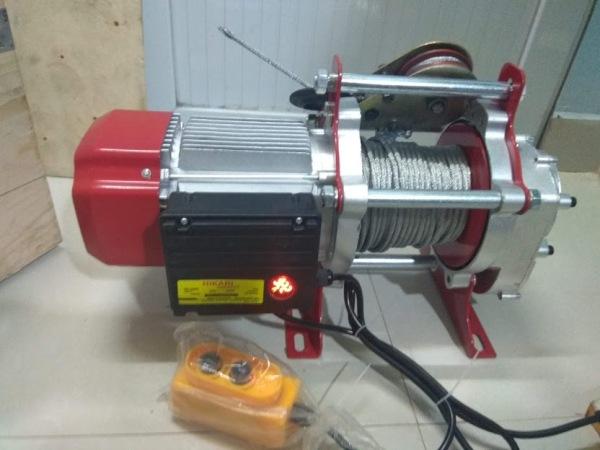 Tời điện HiKari HK-2000, công suất 2,2 KW, Madein Thái lan (nâng 1000-2000kg) màu đỏ, đặt trên cao hoặc mặt đất, dây đồng