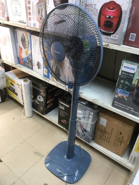 [Hình thật] Quạt cây Panasonic F-409KB (màu xanh) Malaysia, Gió êm, Cực bền