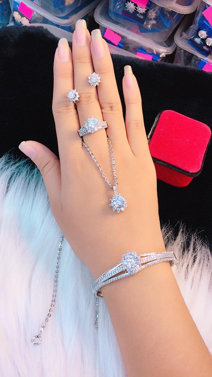 Bộ Trang Sức Nữ Sang Trọng Quý Phái GiVi-SHOP VB4141209 - Dùng đi đám cưới đẹp vô cùng