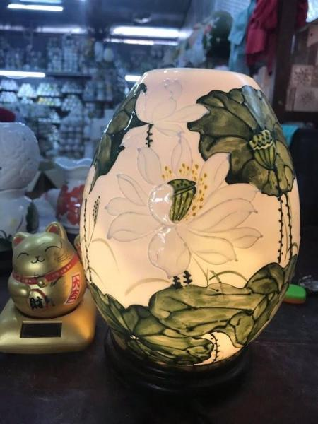 Đèn xông tinh dầu- họa tiêt hoa sen- thư pháp- tặng kèm lọ tinh dầu 15ml