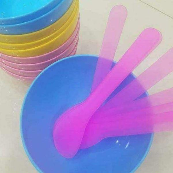 Thìa Nhựa Đắp Mặt Nạ Dùng Trong Spa