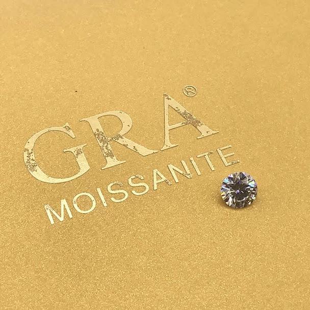 Moissanite - Kim Cương Mỹ - VVS1 kích thước 5 ly kèm giấy kiểm định, hiệu ứng bút thử kim cương