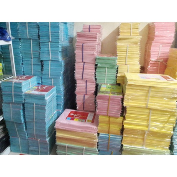 Mua Giấy bìa màu Thái A4 180gsm-1 xấp 100 tờ