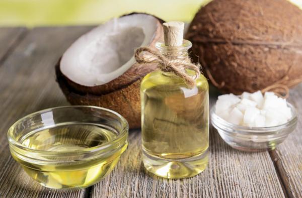 Tinh dầu dừa nguyên chất nấu thủ công lọ 100ml giá rẻ