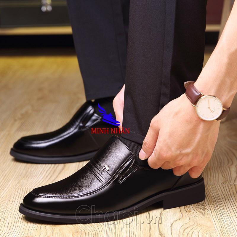 Giày tây nam da bò thật mũi bo tròn dành cho người trẻ, trung niên , cao niên . Bảo hành 12 tháng Giày Cổ điển Da Doanh Nhân Đơn Giản Giày xỏ nam Giày Tây Giày Công Sở hàng hiệu cao cấp giá rẻ sang trọng O-3 màu đen