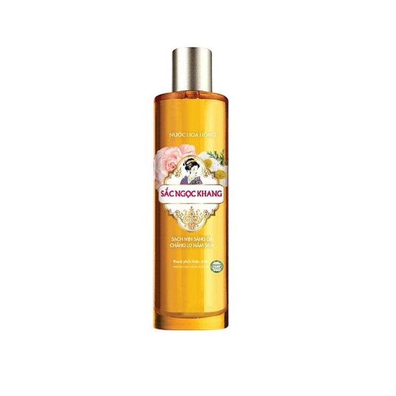 Nước hoa hồng Sắc Ngọc Khang sạch mịn sáng da với thành phần 5 loại hoa 145ml, giúp tăng cường tác dụng của kem dưỡng, phòng ngừa nám sạm, sáng mịn làn da giá rẻ